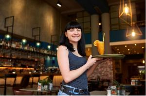 DIAGEO AND TAFE NSW OFFER FREE TRAINING TO HELP HOSPITALITY INDUSTRY RAISE THE BAR