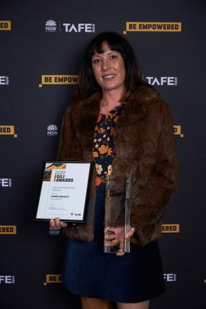 Chenoa shines at TAFE NSW Gili Awards