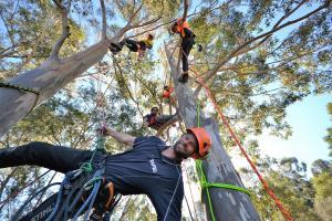 Zac shares his world-class climbing skills with TAFE NSW Yallah students