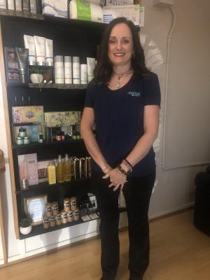 Career change leads to a life of beauty for TAFE NSW graduate Melissa Jansen