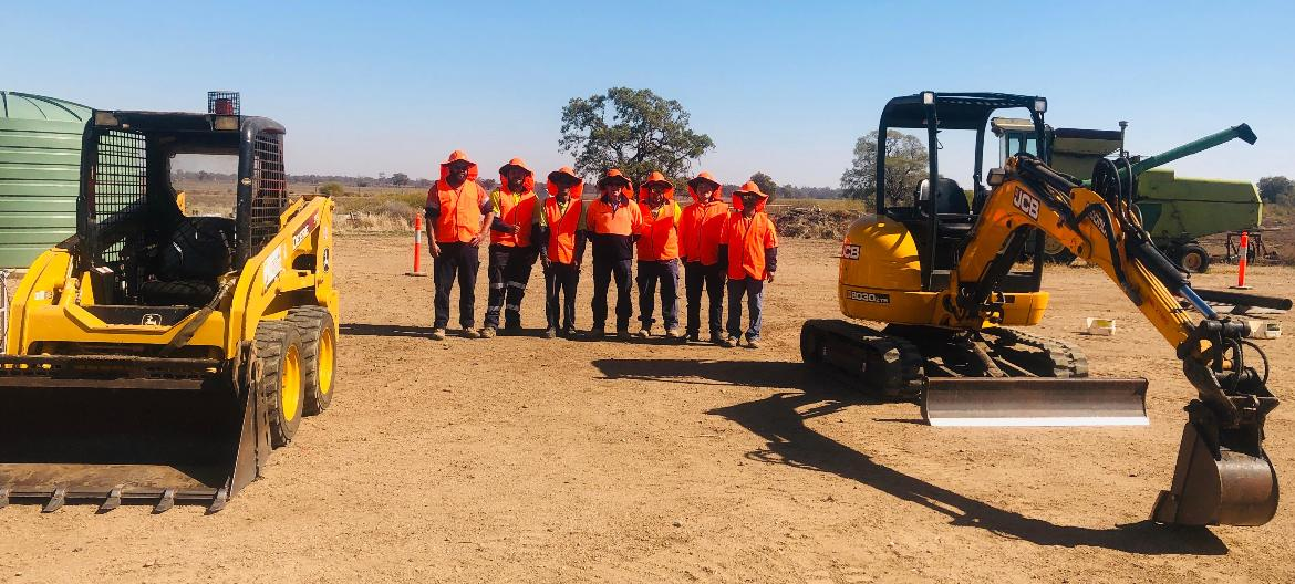 TAFE NSW Moree earthmoving course has students on the right track