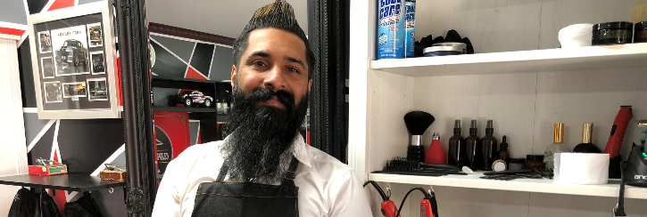 VICK THE BARBER IS GOING THE EXTRA STYLE